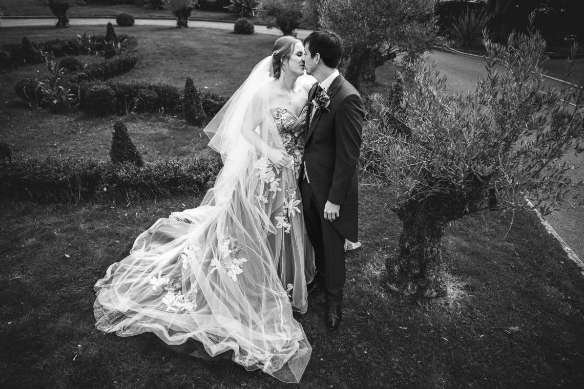 202-BOB08911-Guildford-Manor-Wedding-by-Sainte-Croix-Photography-Vicky-and-Sam